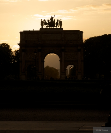 Sunset at the Arc de Triomphe du Carrousel
