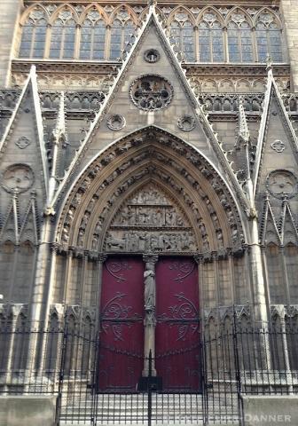 5d Notre Dame Side Door