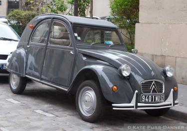 7b Vintage Car - Grey