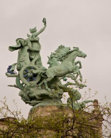 Grand Palais Roof Statue 2