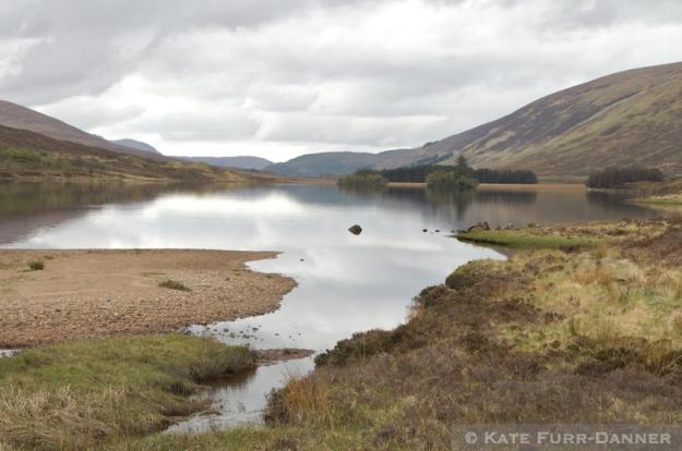Loch Scaven, 57°31′23″N 5°9′54″W